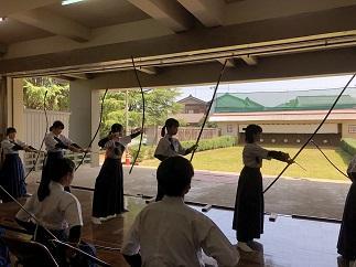 本校弓道場での練習風景2