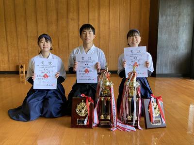 令和2年度県高等学校弓道新人大会個人優勝(男女)個人3位(女子)