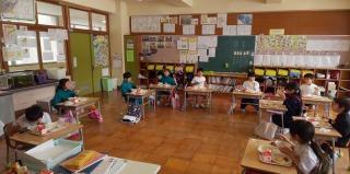 1年生の教室で~す