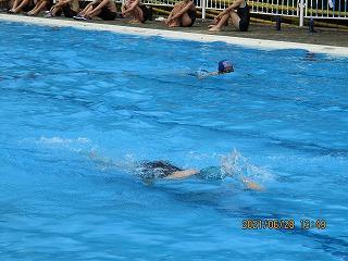平泳ぎにクロール!